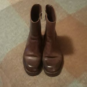 Gently used Kenneth Cole vintage brown Boots